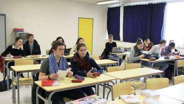 Le travail / La culture. Concours commun des IEP - France Farago