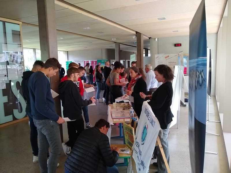 Forum des associations écolos au lycée : une première édition réussie img20190516143012346